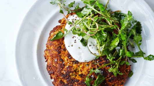 carrot-pancakes-with-salted-yogurt